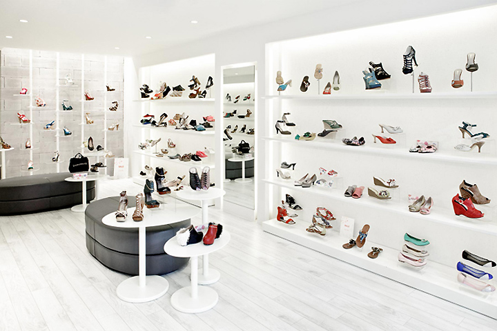 Luxurious Lady Shoe Store